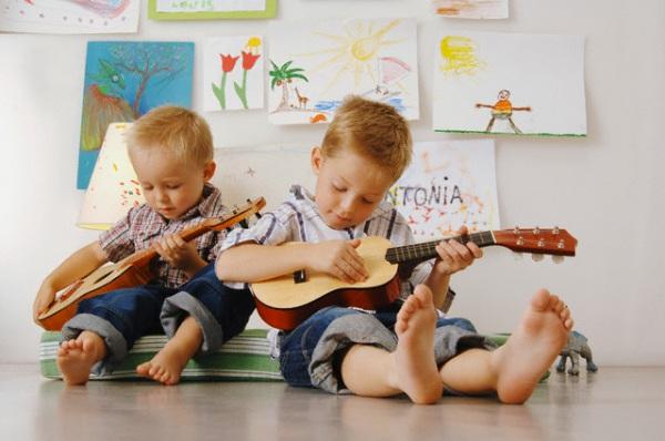 bambini-chitarra-musica.600